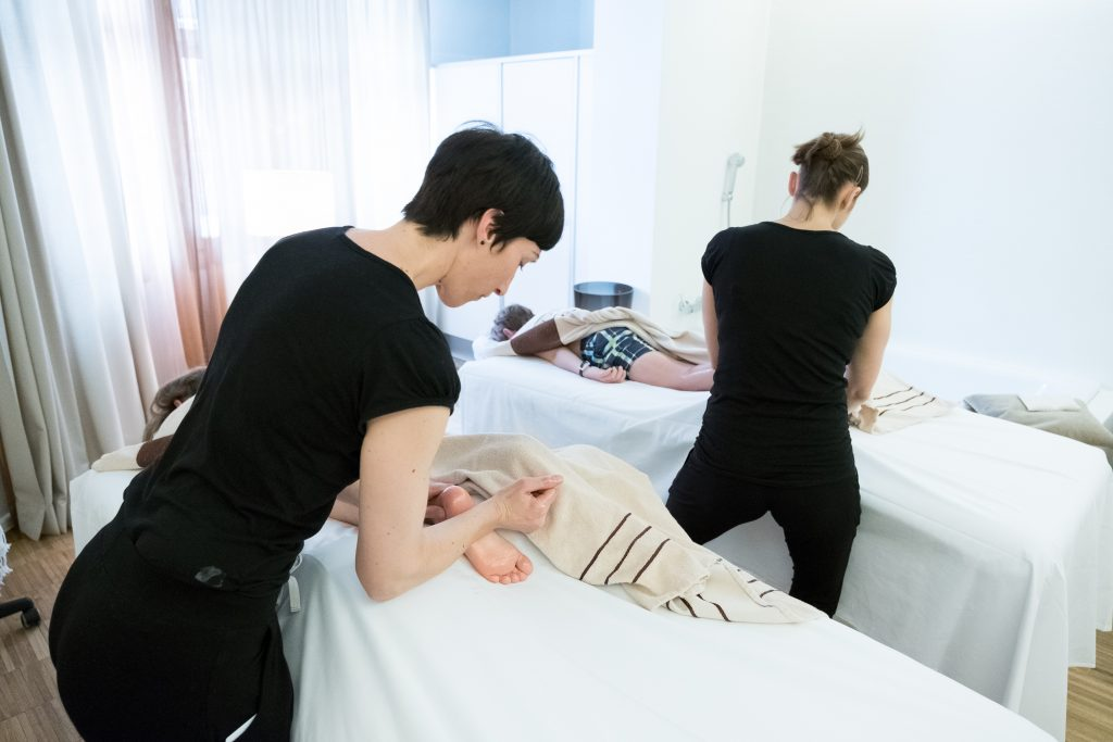 Kinder-Massage im Schweizerhof Lenzerheide