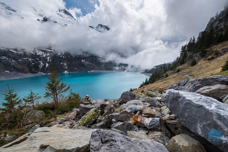 Öschinensee. Eine blaue Perle umgeben von majestätischen Bergen.